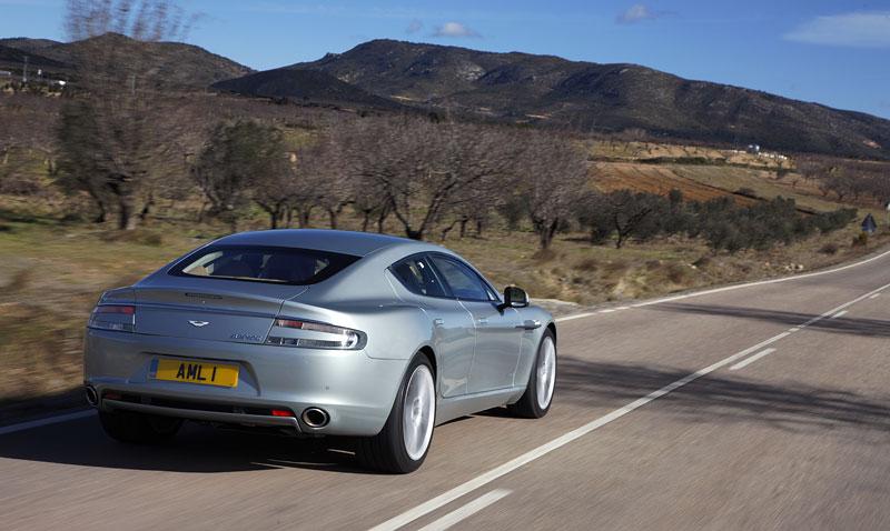 Aston Martin Rapide: konečně pořádná fotogalerie!: - fotka 71