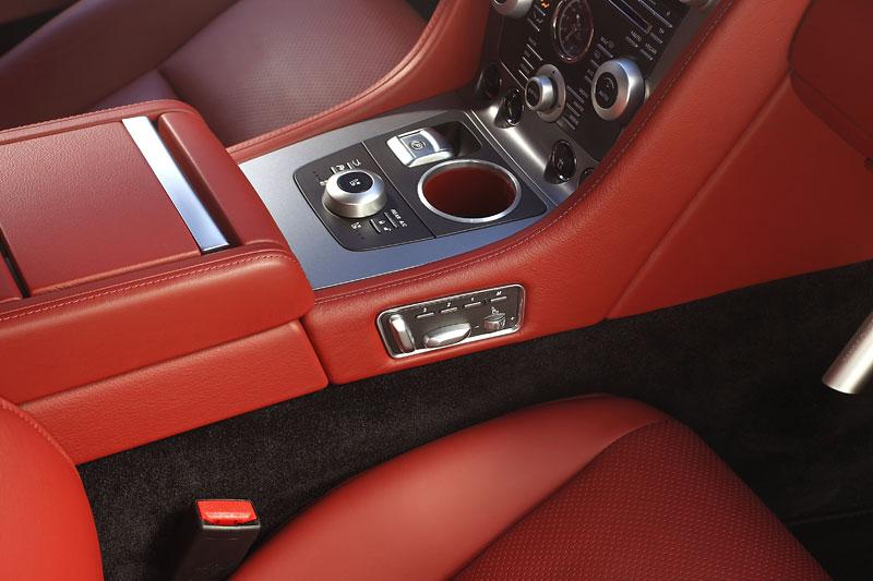 Aston Martin Rapide: konečně pořádná fotogalerie!: - fotka 94