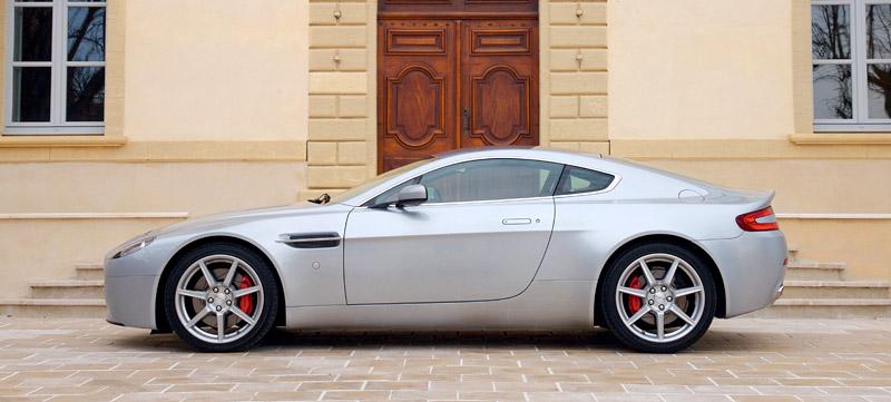 Aston Martin V8 Vantage s větším výkonem: - fotka 19