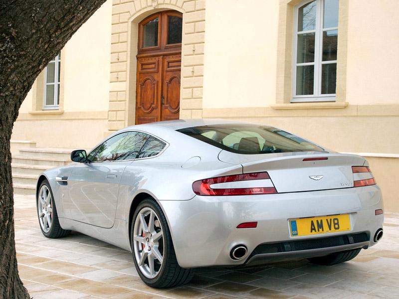 Aston Martin V8 Vantage s větším výkonem: - fotka 21