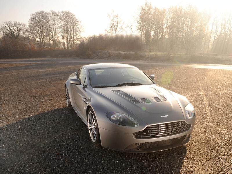 Aston Martin bude spolupracovat s Mercedesem: - fotka 45