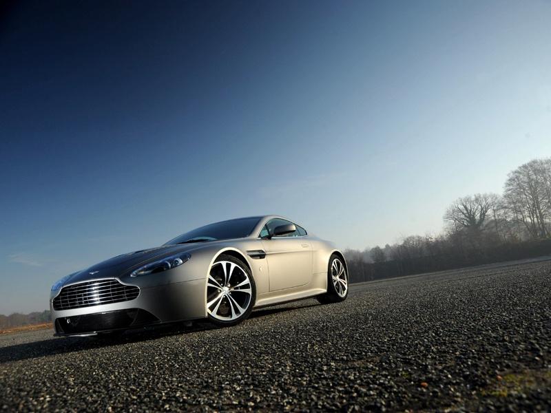 Aston Martin bude spolupracovat s Mercedesem: - fotka 46