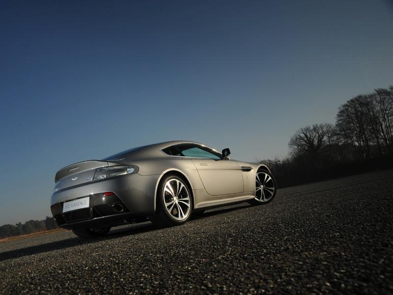 Aston Martin bude spolupracovat s Mercedesem: - fotka 49