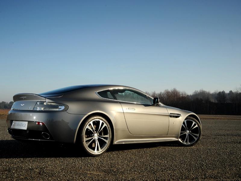 Aston Martin bude spolupracovat s Mercedesem: - fotka 50