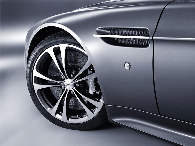 Aston Martin bude spolupracovat s Mercedesem: - fotka 55