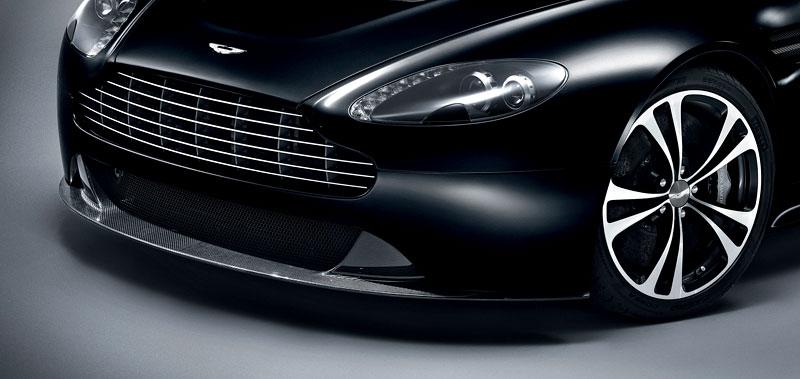 Aston Martin Carbon Black Edition: speciální vydání DBS a V12 Vantage: - fotka 14