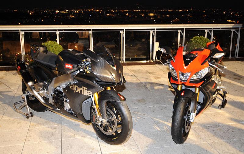 Aprilia RSV4 2009: Super, konečně je tu V4! (video): - fotka 7