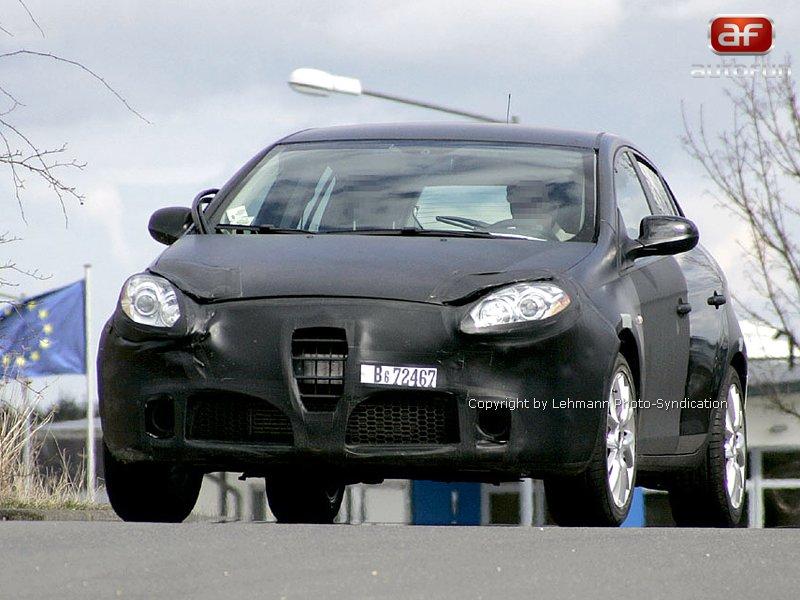 Spy Photos: Alfa Romeo 149: - fotka 1