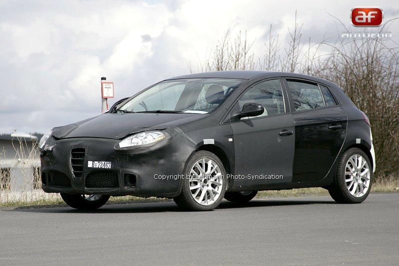 Spy Photos: Alfa Romeo 149: - fotka 4