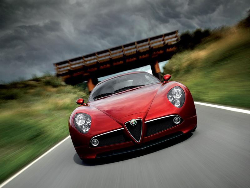Alfa Romeo přemýšlí o 8C Competizione GTA...: - fotka 1