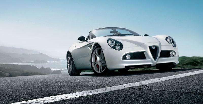 Pod lupou: Alfa Romeo 8C – včera a dnes: - fotka 29