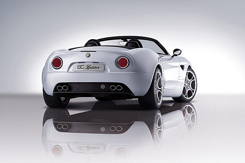 Alfa Romeo 8C Competizione Spider: - fotka 3