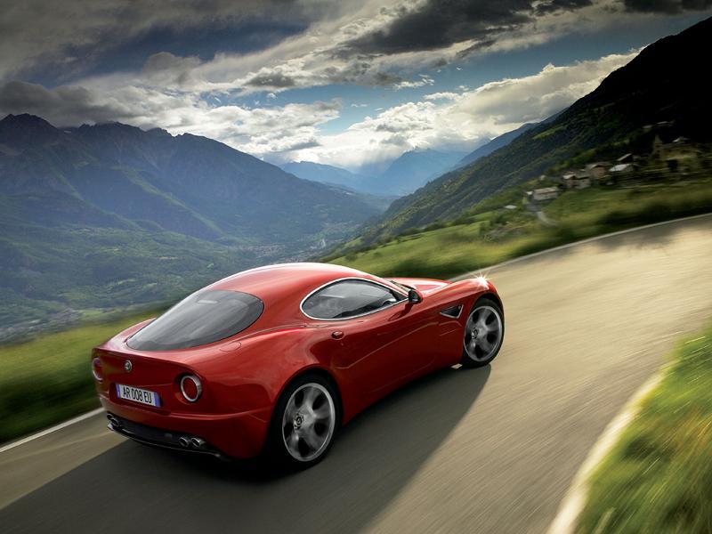 Alfa Romeo přemýšlí o 8C Competizione GTA...: - fotka 7