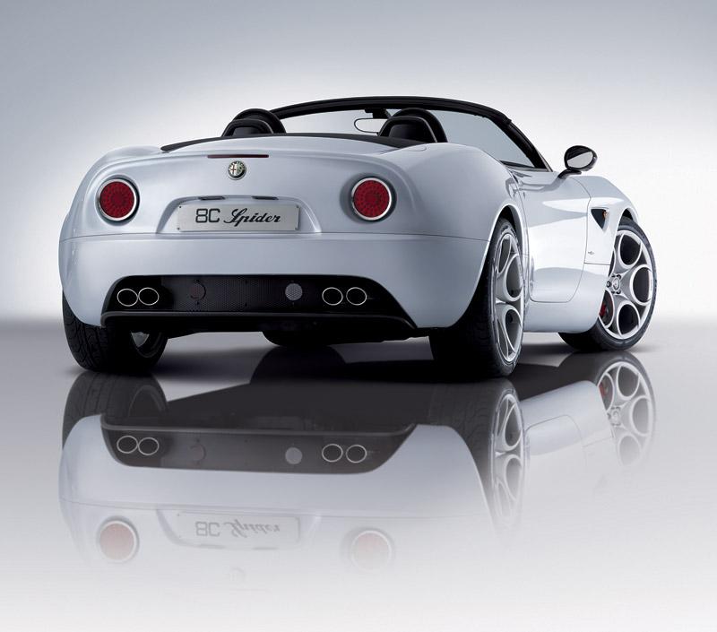 Pod lupou: Alfa Romeo 8C – včera a dnes: - fotka 32