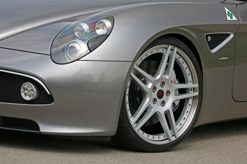 Alfa Romeo 8C Spider: 600 koní od Novitec: - fotka 22