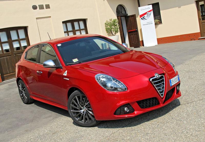 Za volantem: Alfa Romeo Giulietta Quadrifoglio Verde: - fotka 15