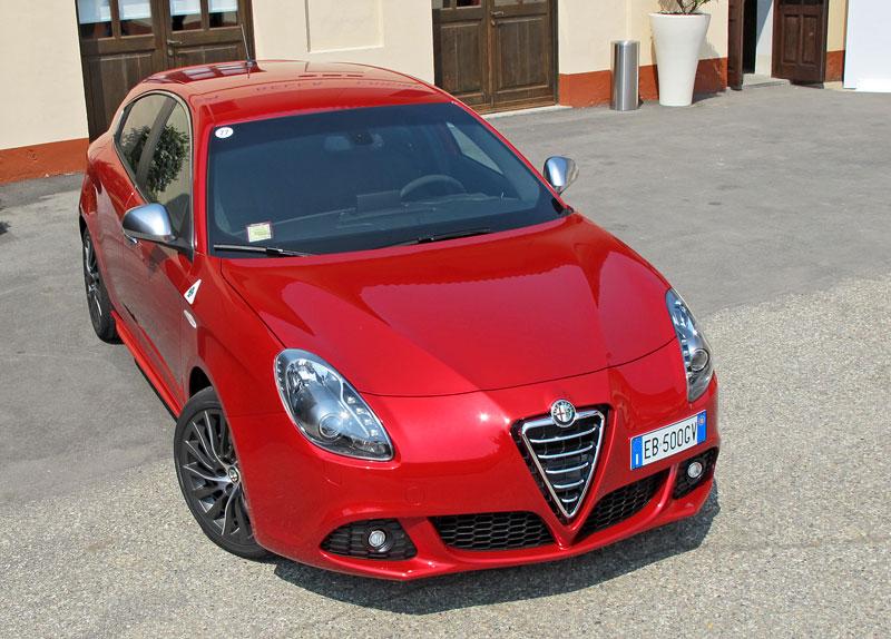 Za volantem: Alfa Romeo Giulietta Quadrifoglio Verde: - fotka 16