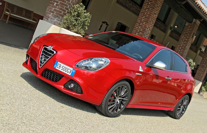 Za volantem: Alfa Romeo Giulietta Quadrifoglio Verde: - fotka 17