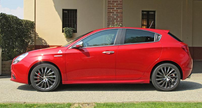 Za volantem: Alfa Romeo Giulietta Quadrifoglio Verde: - fotka 20