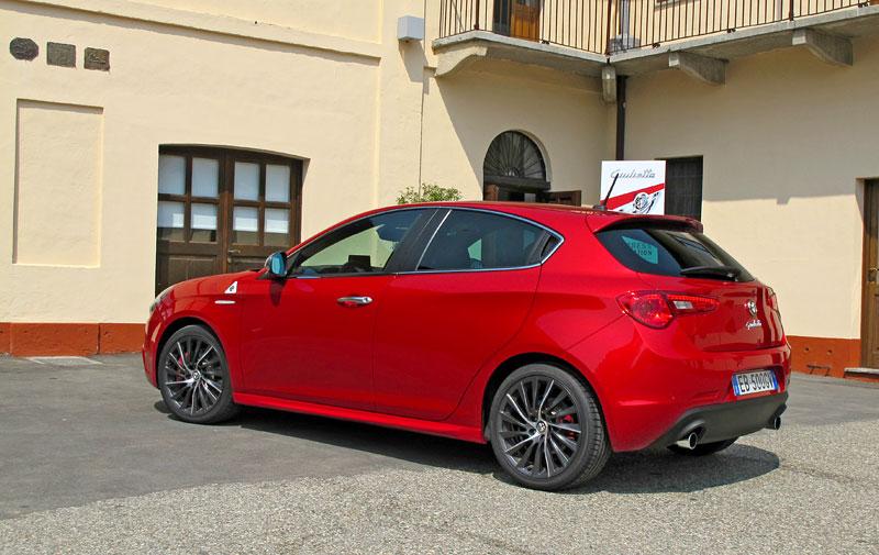 Za volantem: Alfa Romeo Giulietta Quadrifoglio Verde: - fotka 25