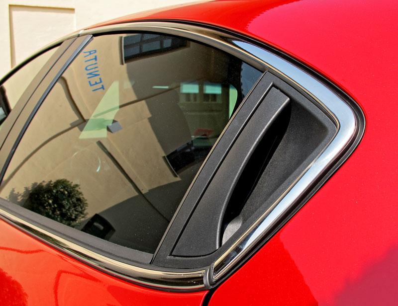 Za volantem: Alfa Romeo Giulietta Quadrifoglio Verde: - fotka 33