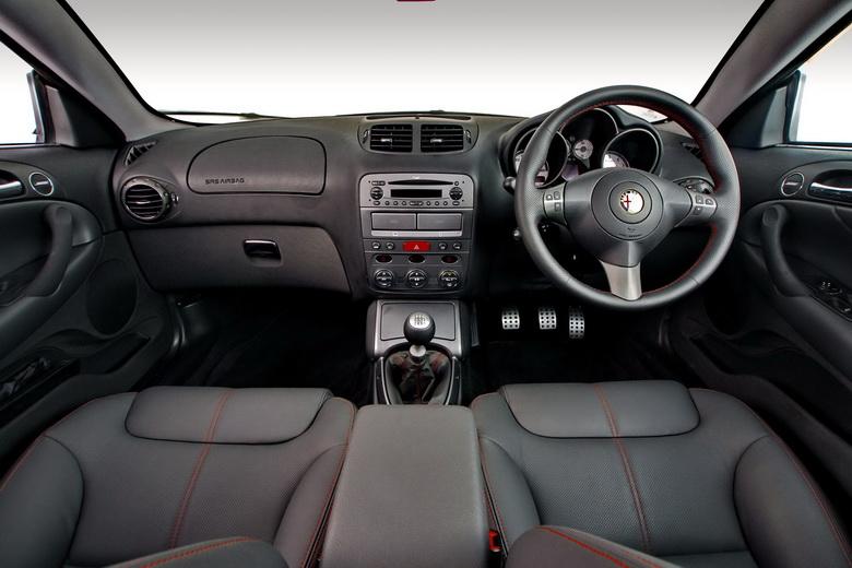 Alfa Romeo GT Limited Edition: Oslava 100 let značky: - fotka 2