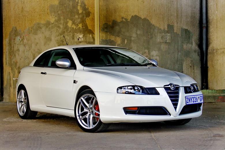 Alfa Romeo GT Limited Edition: Oslava 100 let značky: - fotka 3