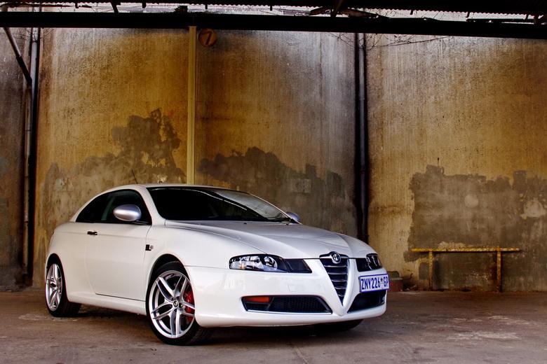 Alfa Romeo GT Limited Edition: Oslava 100 let značky: - fotka 5