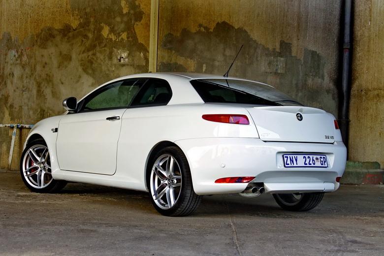 Alfa Romeo GT Limited Edition: Oslava 100 let značky: - fotka 7