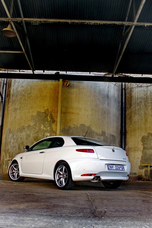 Alfa Romeo GT Limited Edition: Oslava 100 let značky: - fotka 10