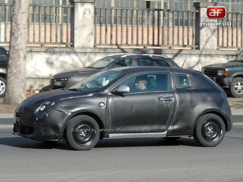 Spy Photos: Alfa Romeo Junior: - fotka 4