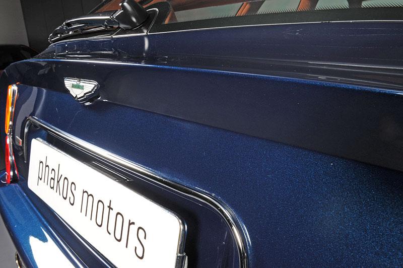 Na prodej je unikátní Aston Martin V8 Shooting Brake. Stejné auto nikdo jiný na světě mít nebude: - fotka 11