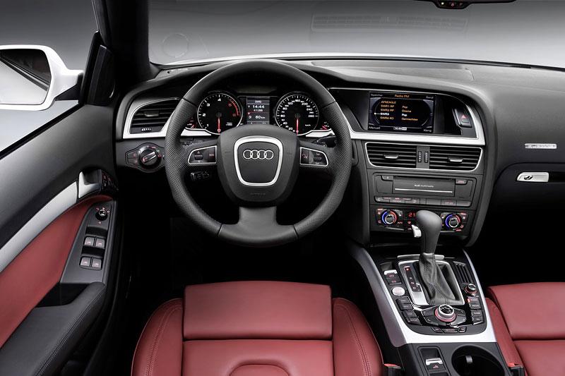Za volantem: Audi A5 Cabriolet: - fotka 15