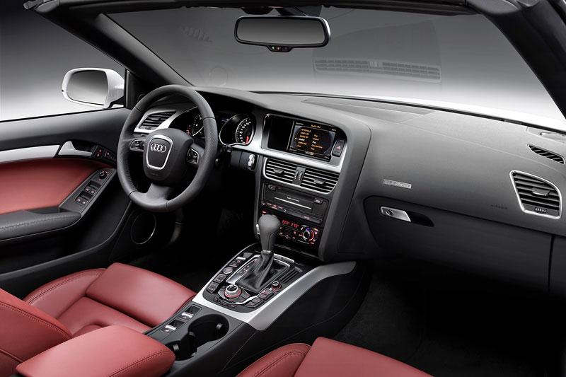 Za volantem: Audi A5 Cabriolet: - fotka 16