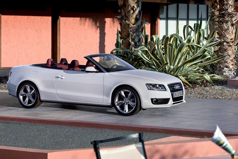 Za volantem: Audi A5 Cabriolet: - fotka 28
