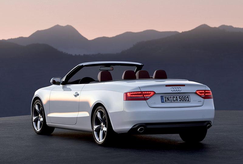 Za volantem: Audi A5 Cabriolet: - fotka 35