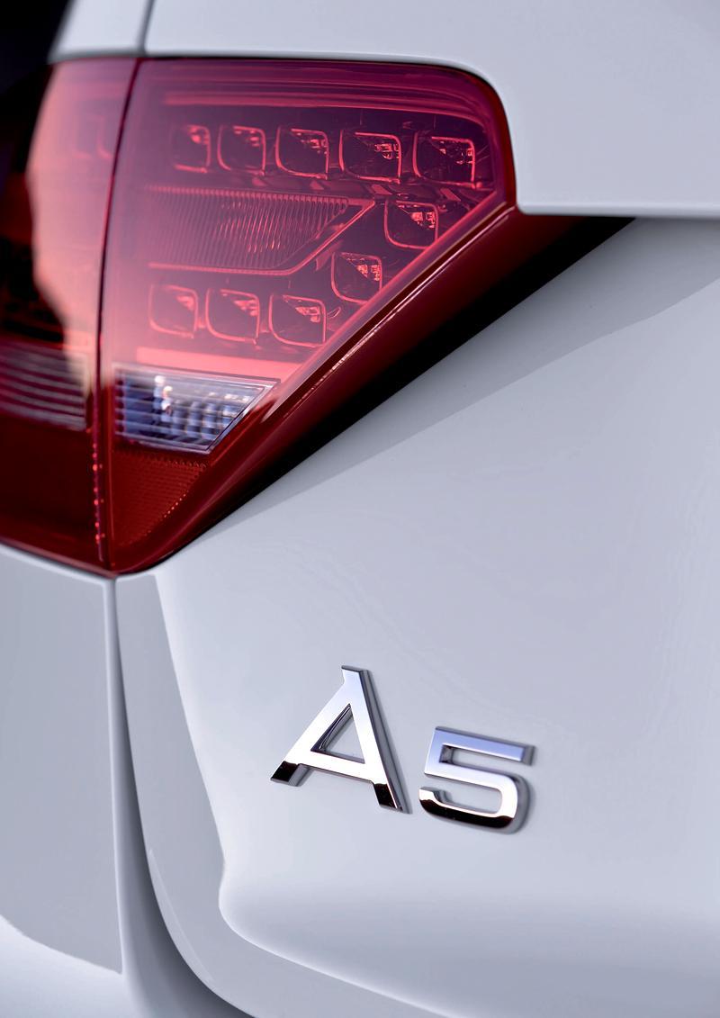 Za volantem: Audi A5 Cabriolet: - fotka 43
