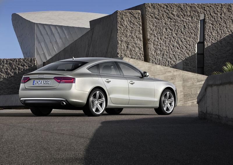 Audi A5 prodělalo facelift a dostalo nové motory: - fotka 33