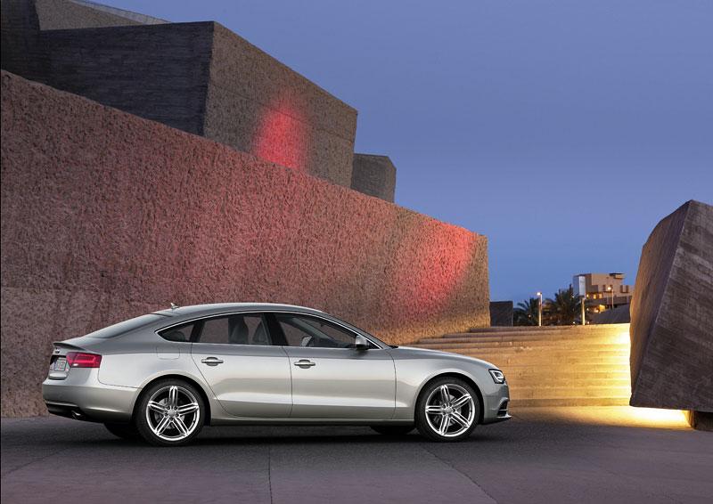 Audi A5 prodělalo facelift a dostalo nové motory: - fotka 34
