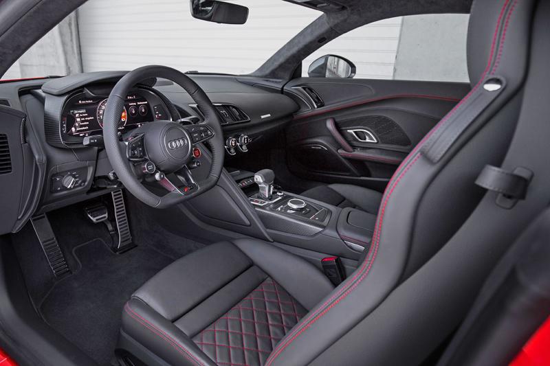 Za volantem: Audi R8: - fotka 4