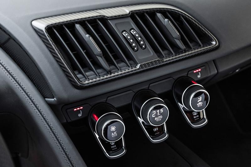 Za volantem: Audi R8: - fotka 7