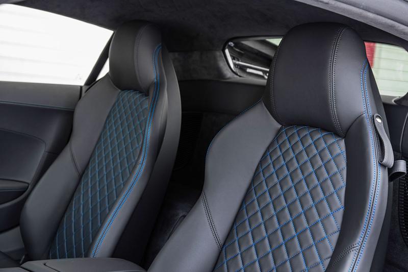Za volantem: Audi R8: - fotka 9