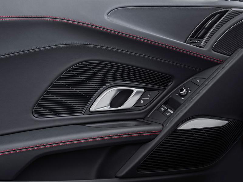 Za volantem: Audi R8: - fotka 10
