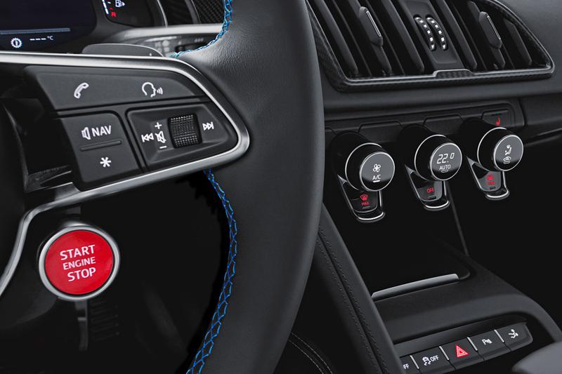 Za volantem: Audi R8: - fotka 16