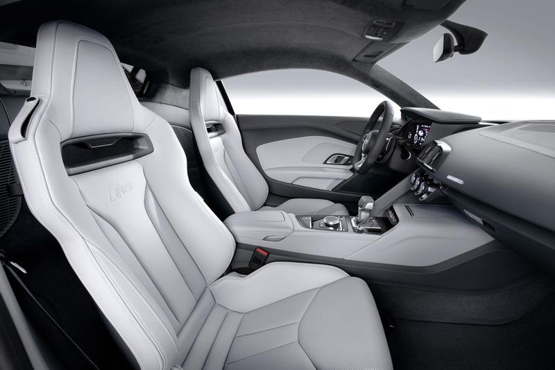 Za volantem: Audi R8: - fotka 18