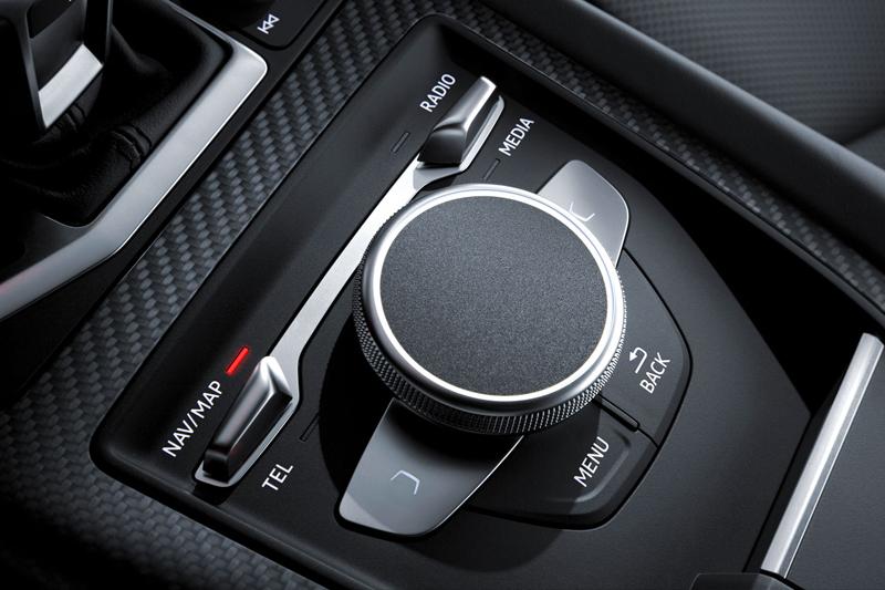 Za volantem: Audi R8: - fotka 21