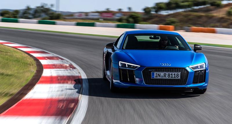 Za volantem: Audi R8: - fotka 26