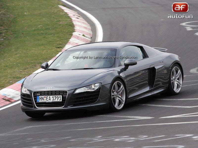 Spy Photos: Audi RS8 – Stop stav, hoříme...: - fotka 1