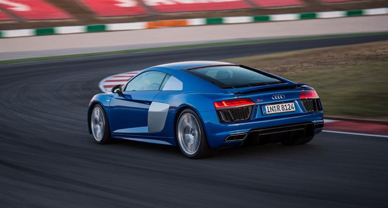 Za volantem: Audi R8: - fotka 48