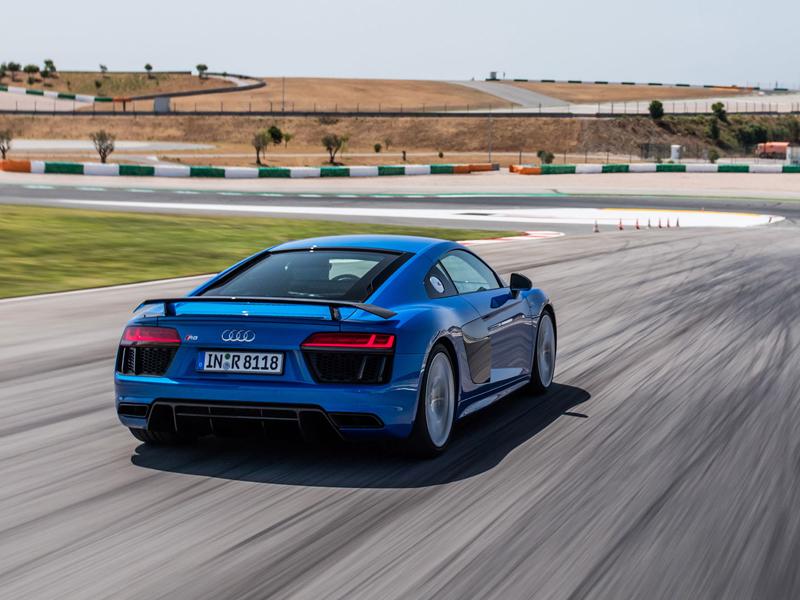 Za volantem: Audi R8: - fotka 49